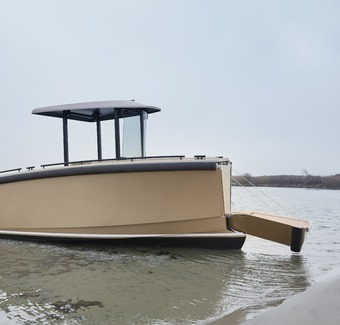 DutchCraft 25: An extremely versatile electric boat