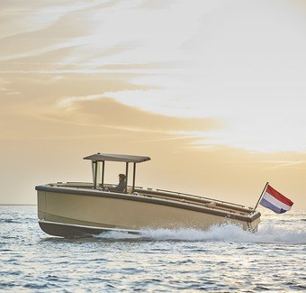 All electric DutchCraft DC25 sets new standard for sustainable superyacht tenders