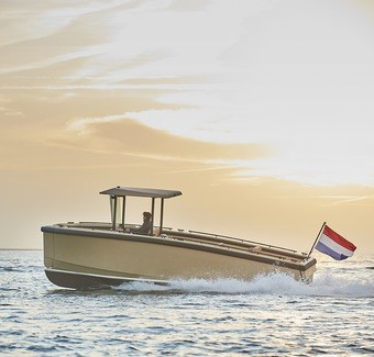 All-electric SuperYacht tender